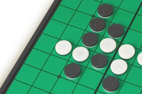 智力棋 - 黑白棋